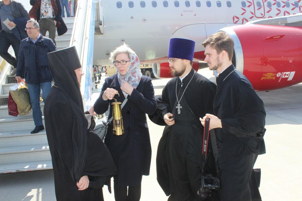 Благодатный огонь привезли в Дагестан