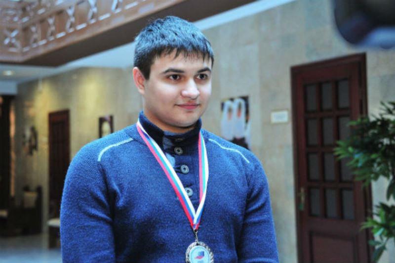 В аэропорту Махачкалы встретили призера Всероссийской олимпиады школьников