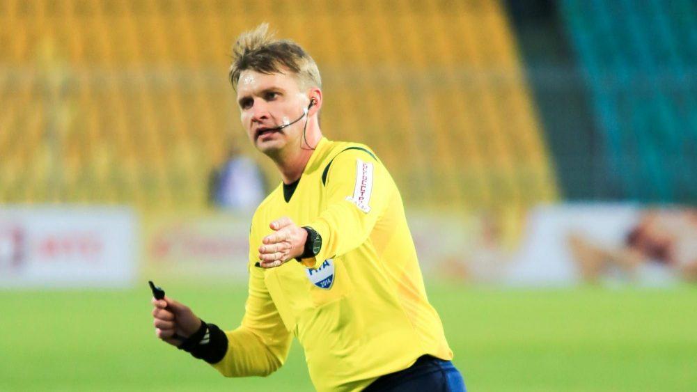 Судья Лапочкин получил двойку за матч «Анжи»