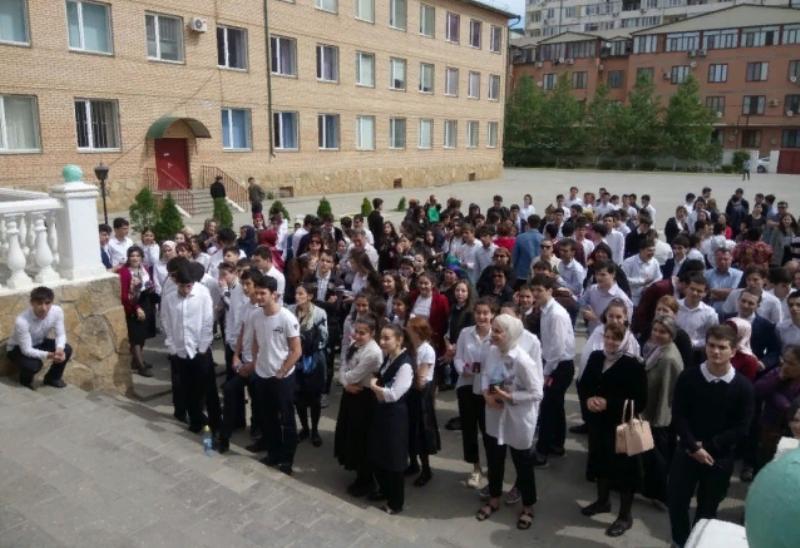 Дагестанские абитуриенты сдали ЕГЭ по базовой математике