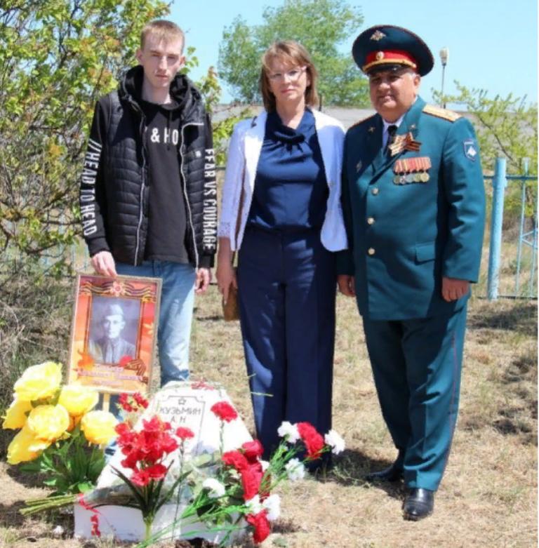 Жительница Якутии нашла в Каспийске могилу дедушки