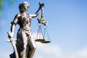Жительница Махачкалы ответит в суде за мошенничество с земельными участками