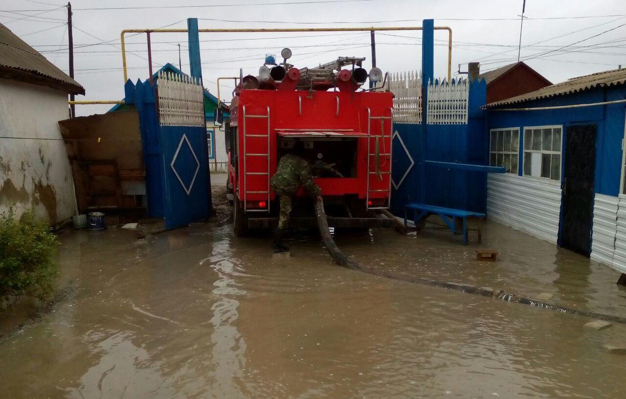 Дожди подтопили приусадебные хозяйства и подвалы в Ленинкенте и Буйнакске