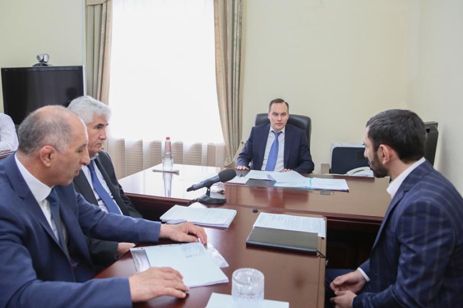 Премьер-министр Артем Здунов провел прием граждан