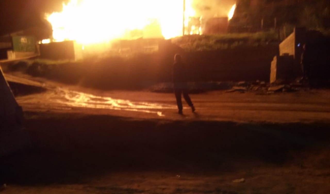 В Цунтинском районе сгорело двухэтажное здание (видео)