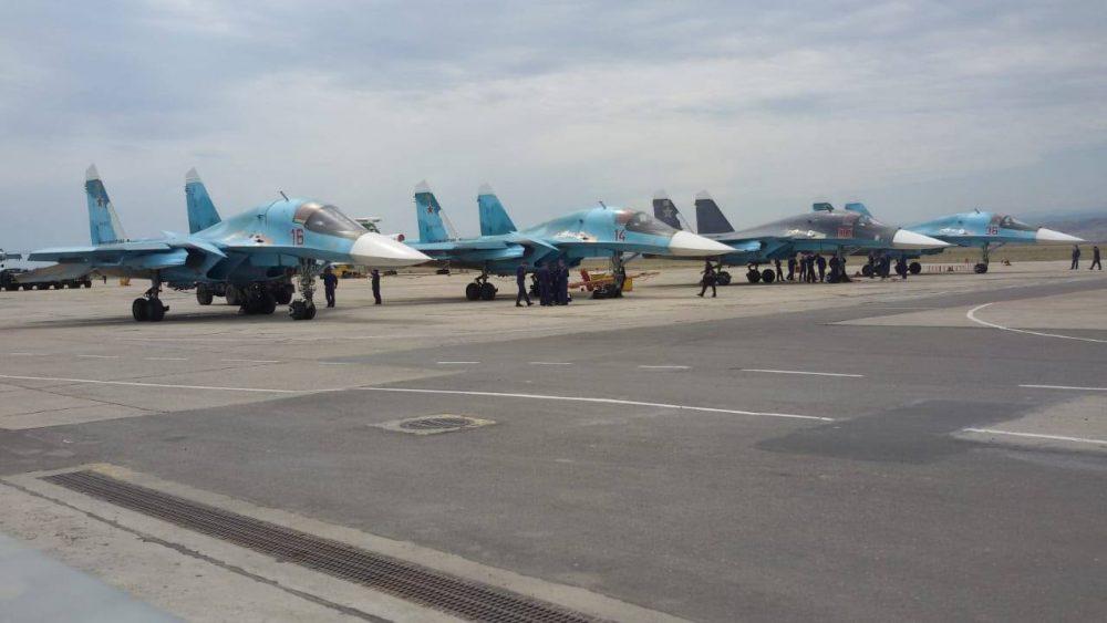 Военные истребители провели учения в небе Дагестана
