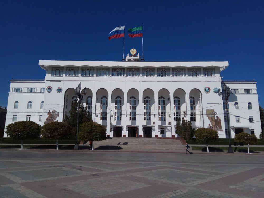 Путин внес на рассмотрение парламента кандидатуры на должность главы Дагестана