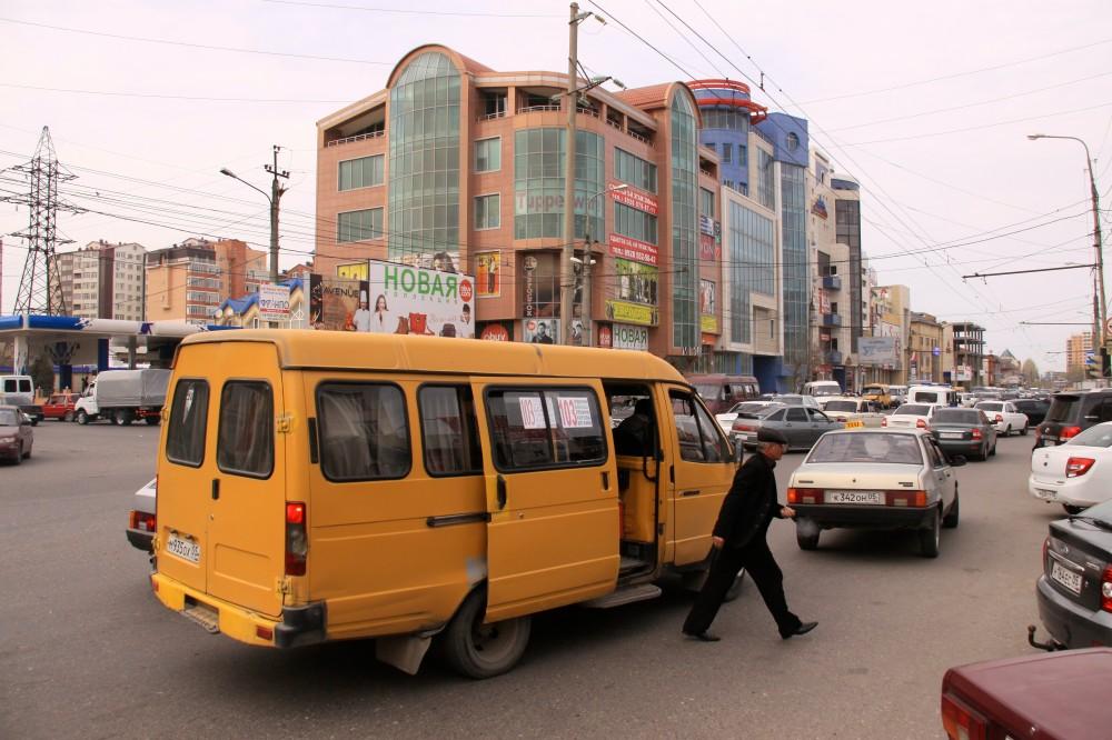 УФАС: Перевозчиков на маршрутных линиях в Махачкале должно быть в разы больше