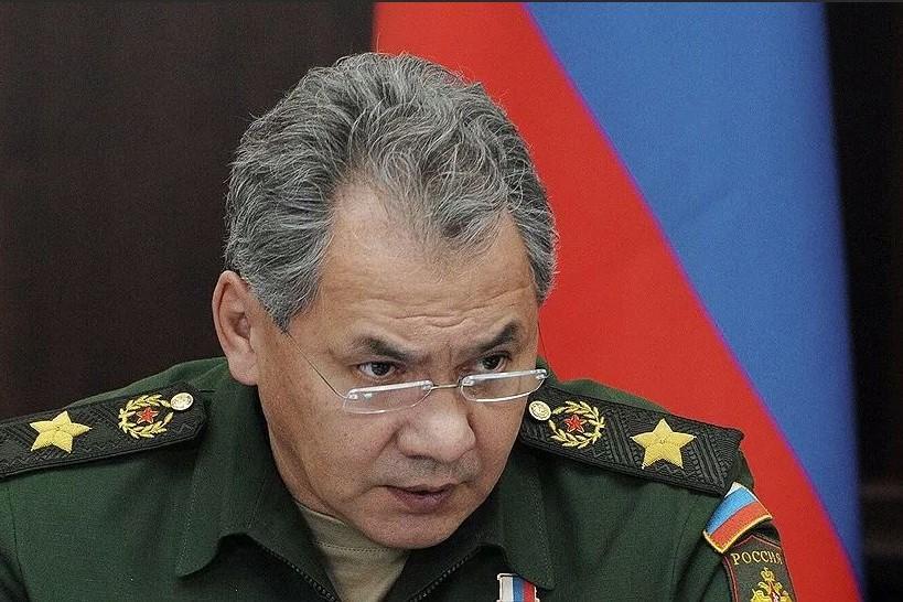 Шойгу прибыл в Дагестан для проверки строительства базы флотилии