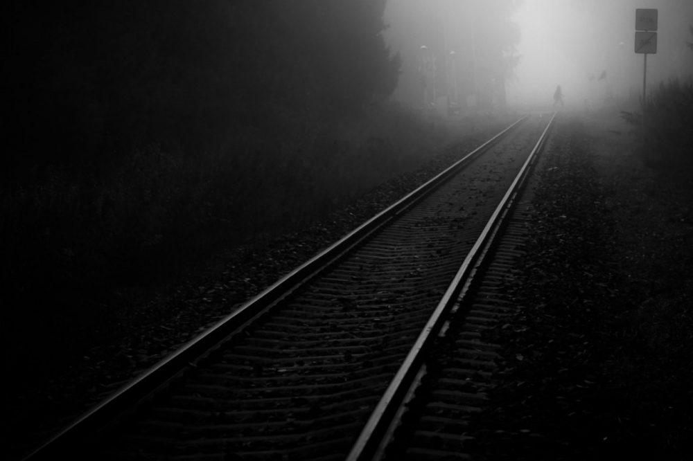 В Махачкале электровоз насмерть сбил девушку