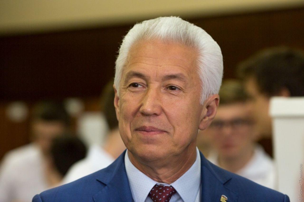 Владимир Васильев поздравил мусульман Дагестана с Курбан-байрамом