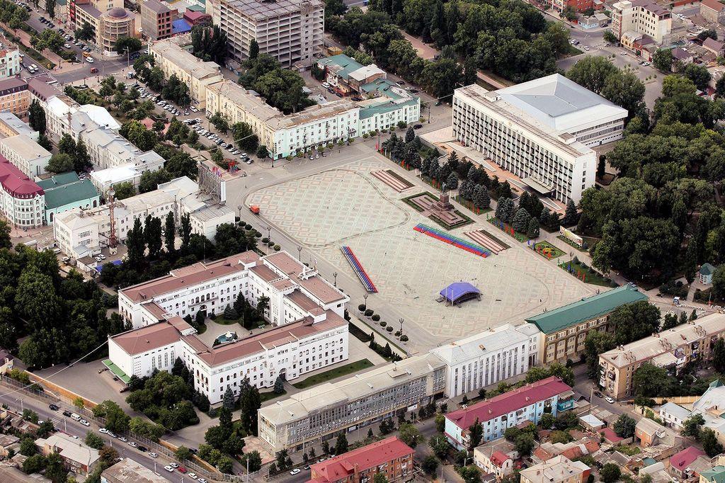 Мэрия Махачкалы предложила на выбор три варианта реконструкции площади