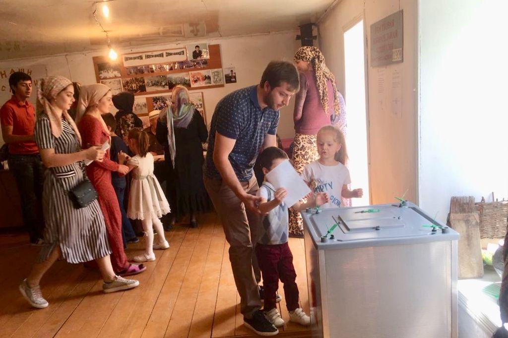 Жители Ботлихского района выбирают депутатов