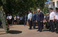 Врио главы Дагестана почтил память погибших сотрудников правоохранительных органов
