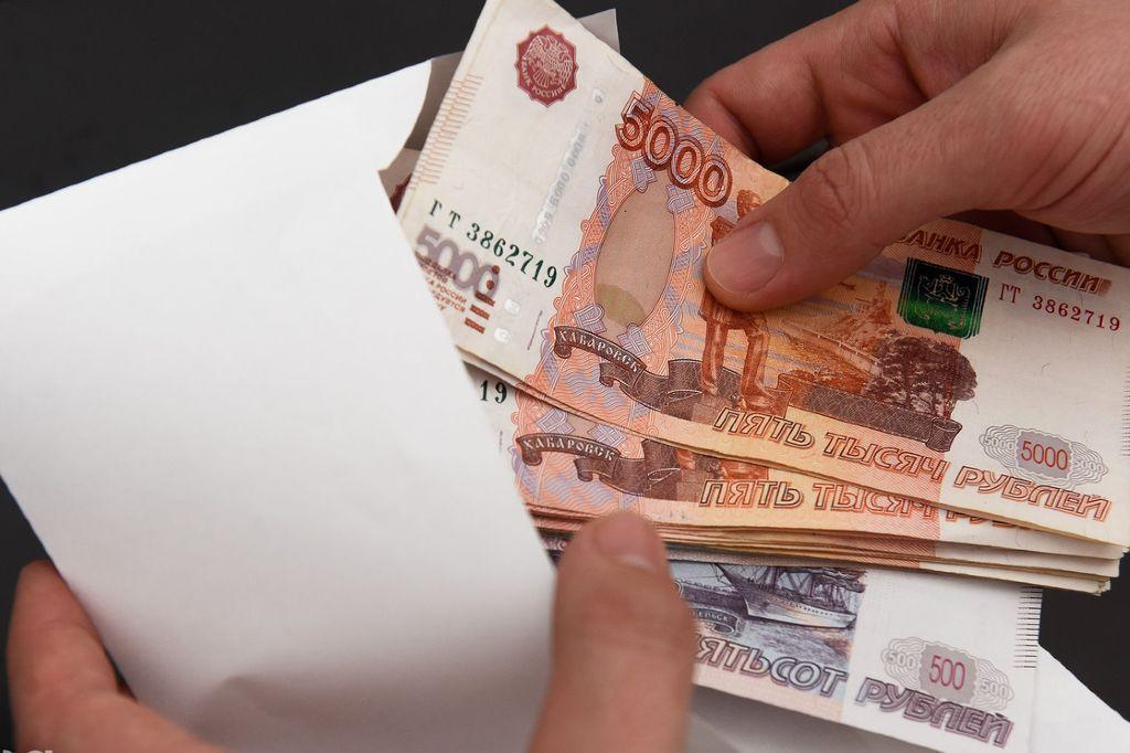 В Хасавюрте при получении взятки задержан налоговик