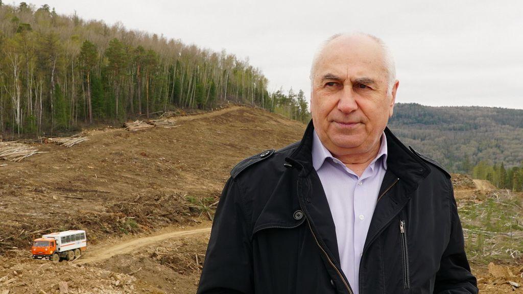 Бизнесмен из Иркутска на свои деньги строит дороги в Дагестане