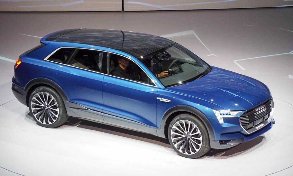 Audi выпустит E-tron GT, способный конкурировать с Tesla Model S