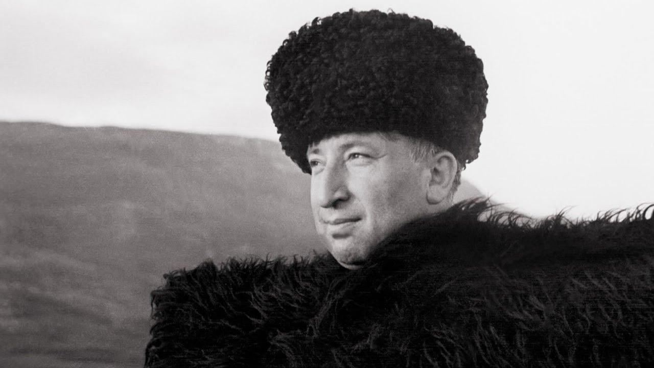 В Махачкале пройдет конкурс чтецов, посвященный юбилею Расула Гамзатова