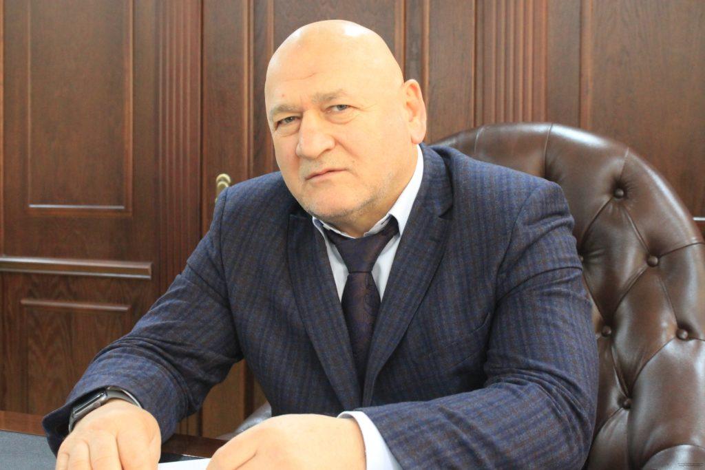 Глава района дисквалифицирован за нарушение трудовых прав работника