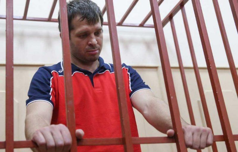 Обвинение запросило для экс-главы Кизлярского района 13 лет колонии строгого режима