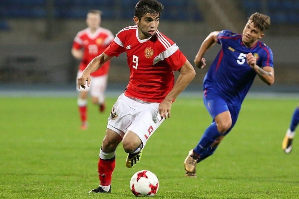 Агаларов забил гол в первом отборочном матче сборной России