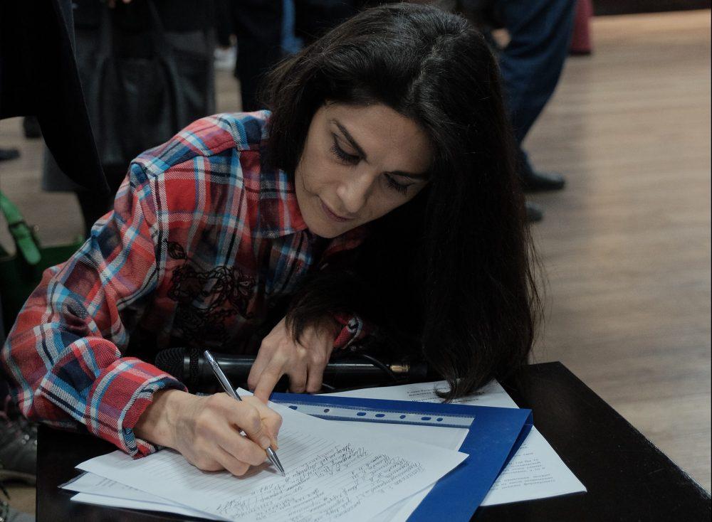 Чтоб вас тут не стояло. Активисты собирают подписи против памятника «Матери Дагестана»