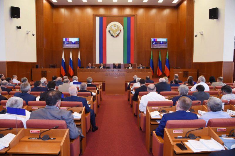 Депутат Народного собрания высказался на сессии о ночных клубах