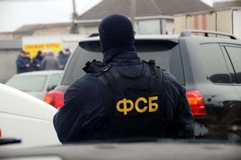 ФСБ задержала в Дагестане организатора экстремистской ячейки и его сообщников