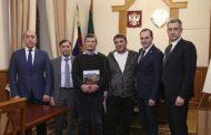Мужчин, спасших выпавшую из окна девочку, представят к государственной награде Дагестана
