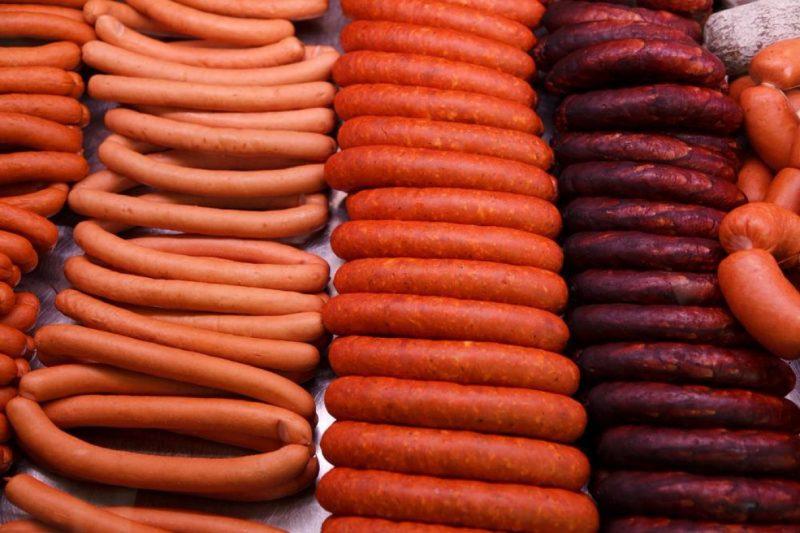 В Дагестане задержали 21 тонну турецких сосисок