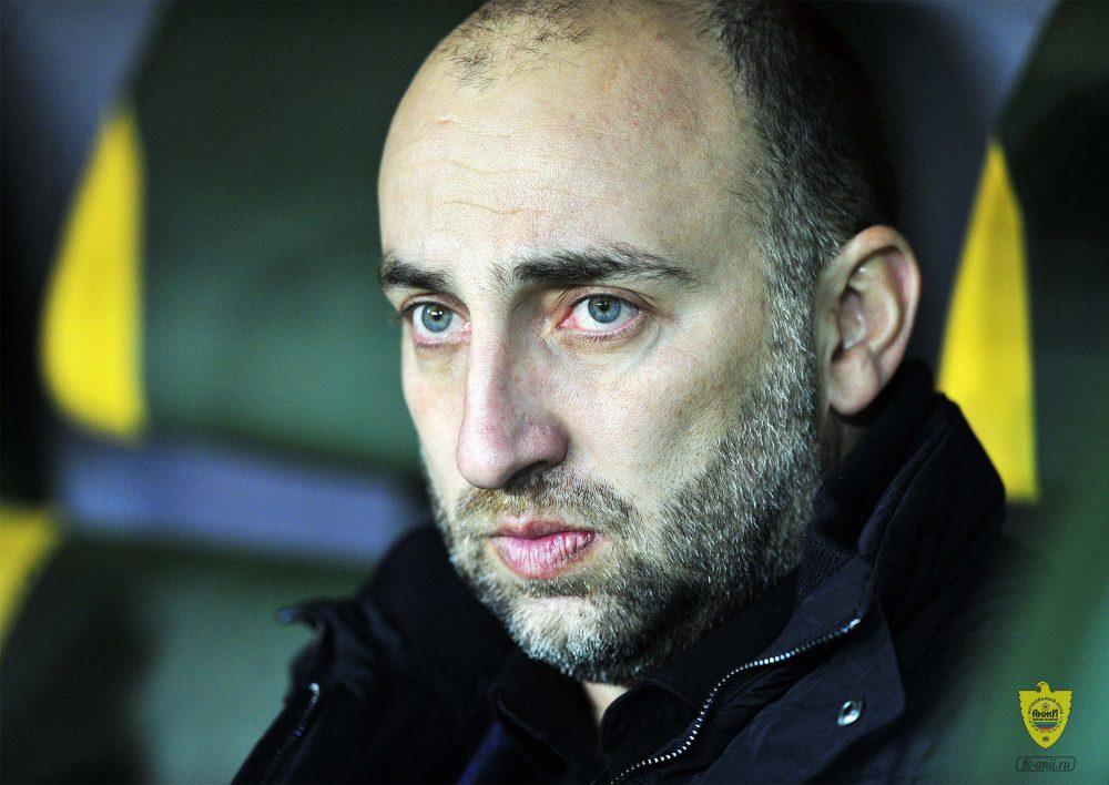 Главный тренер «Анжи» заявил о намерении подать в отставку