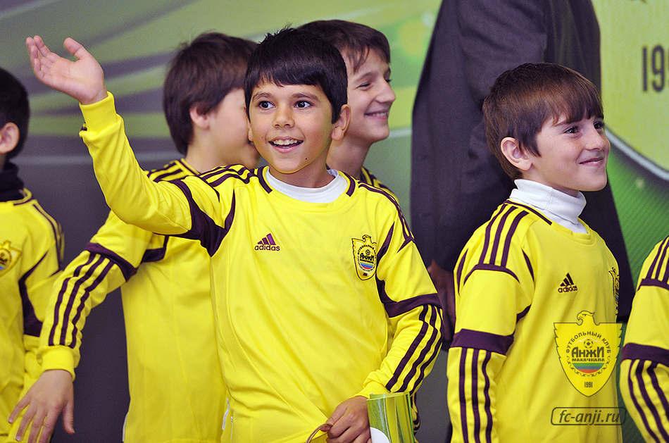Академия «Анжи» 28 апреля просмотрит ребят шести возрастов