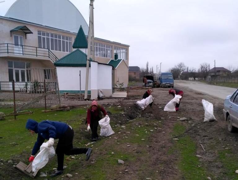 В Магарамкентском районе прошел субботник