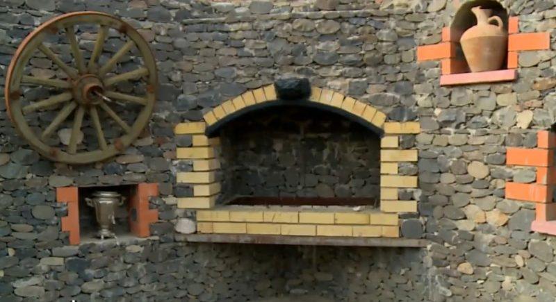 Житель Унцукульского района открыл музей в своем саду