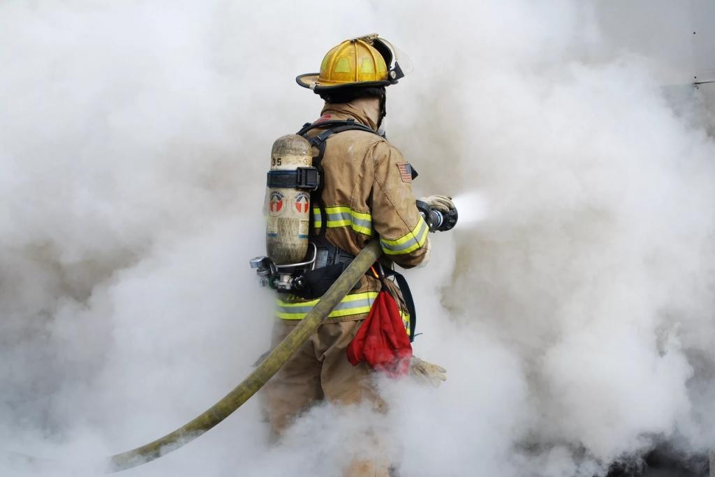 В пригороде Махачкалы сгорел припаркованный рейсовый автобус