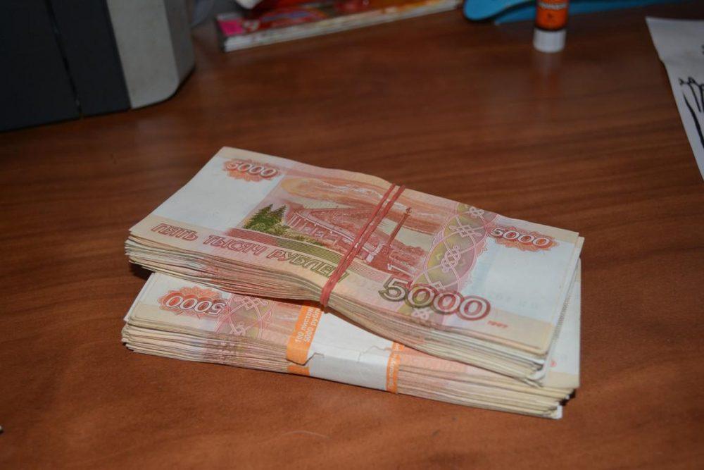 Работники казначейства пойдут под суд за вымогательство
