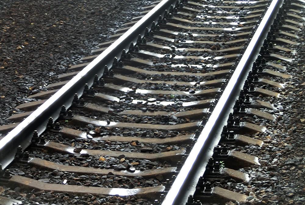 В Дербентском районе пенсионер попал под поезд