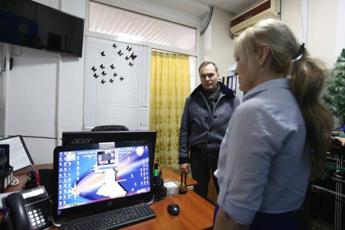 Артем Здунов проверил работу Единой диспетчерской службы Избербаша