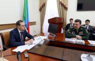 Артем Здунов провел совещание с командующим Каспийской флотилией