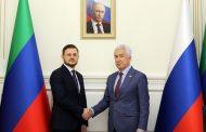 Владимир Васильев поздравил новоизбранного мэра Махачкалы Салмана Дадаева