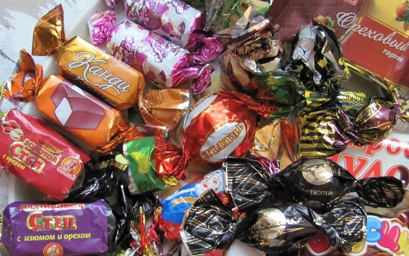 Работники склада позарились на конфеты и жвачку