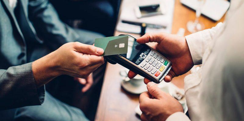 Объем безналичных платежей в Дагестане вырос в 1,5 раза