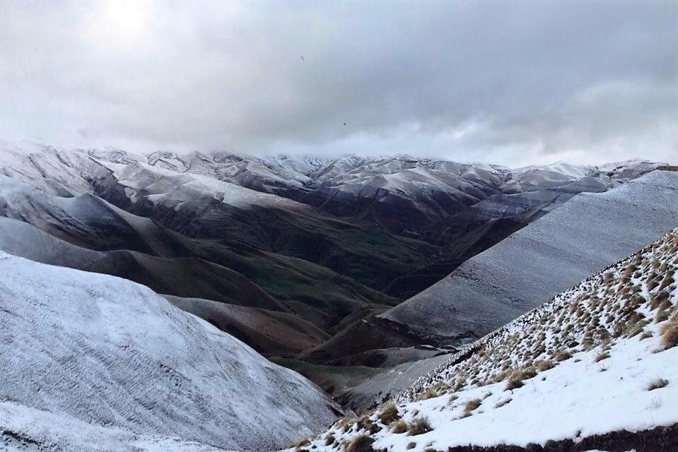 Автомобиль упал в обрыв в горах Дагестана