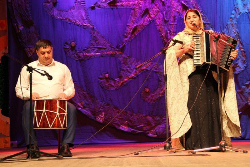 В Махачкале прошел кумыкский фестиваль «Моя гармонь»