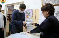 Учащимся махачкалинских школ выдают новые учебники