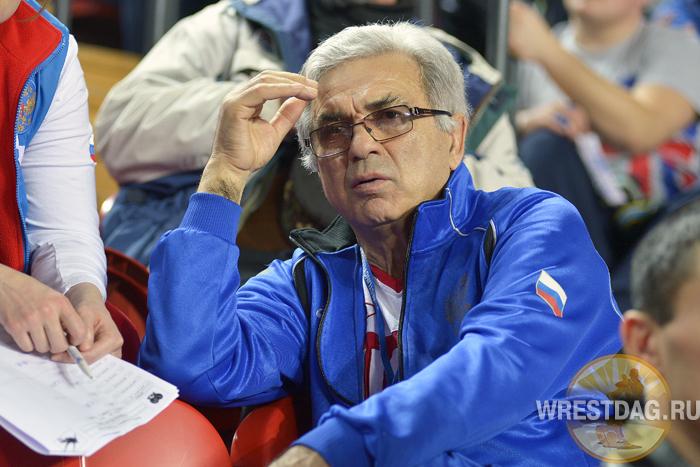 Шахмурадов освобожден от должности наставника женской сборной России