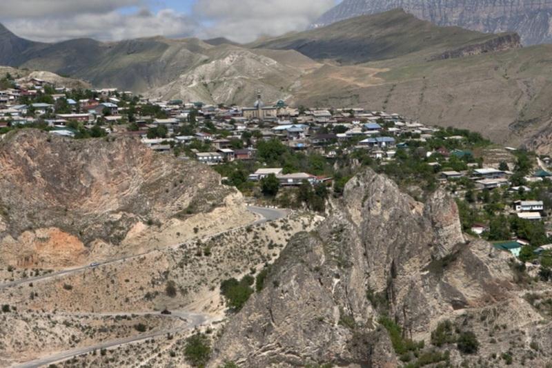 Глава Дагестана распустил собрание депутатов Унцукульского района