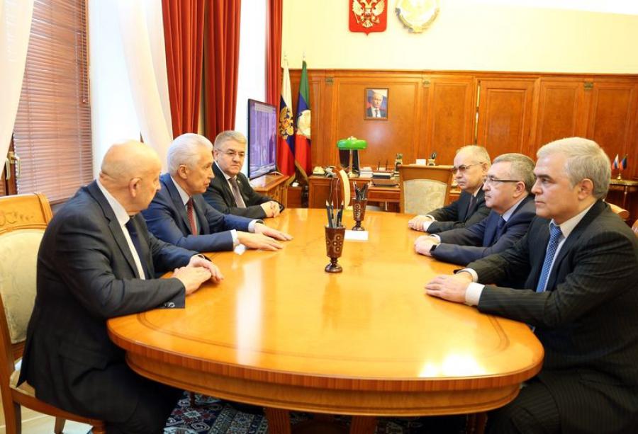 Владимир Васильев обсудил послание с Ильясом Умахановым и депутатами Госдумы