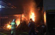 Мэр Махачкалы назвал предварительную причину пожара на рынке № 2