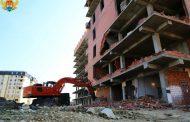В Махачкале начался снос многоэтажки, построенной на участке для школы